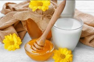 Get glowing skin with this 2-ingredient mask!