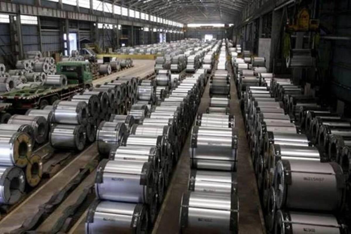 Como resultado, la producción de acero bruto de 7,96 millones de toneladas (un 142% más en el año) cayó un 21% en abril.