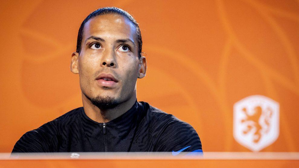 ¡Creen que estoy actuando!  - Van Dijk calma el miedo a las lesiones tras el susto de Holanda
