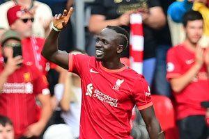 """La estrella del Liverpool, Mane, """"merece los elogios que recibe"""" - Milner"""