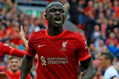 `` Se ve realmente elegante y en un buen momento '': el entrenador del Liverpool, Klopp, elogia la forma de Mane